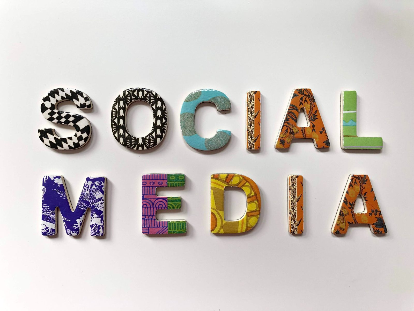 5 benefits of putting your business on social media